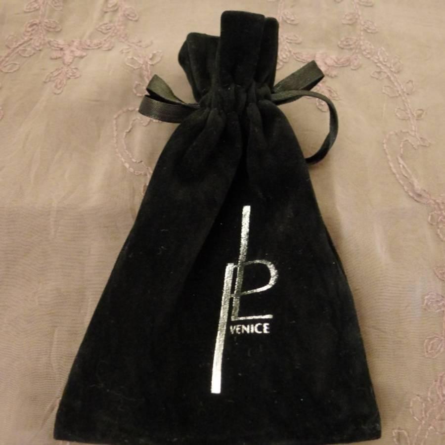 Perlearmbånd med magnetlås, pastell hud / hvit farget